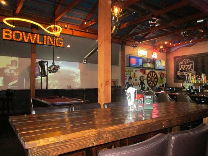 PKWY-tavern-flamingo-215-bowling