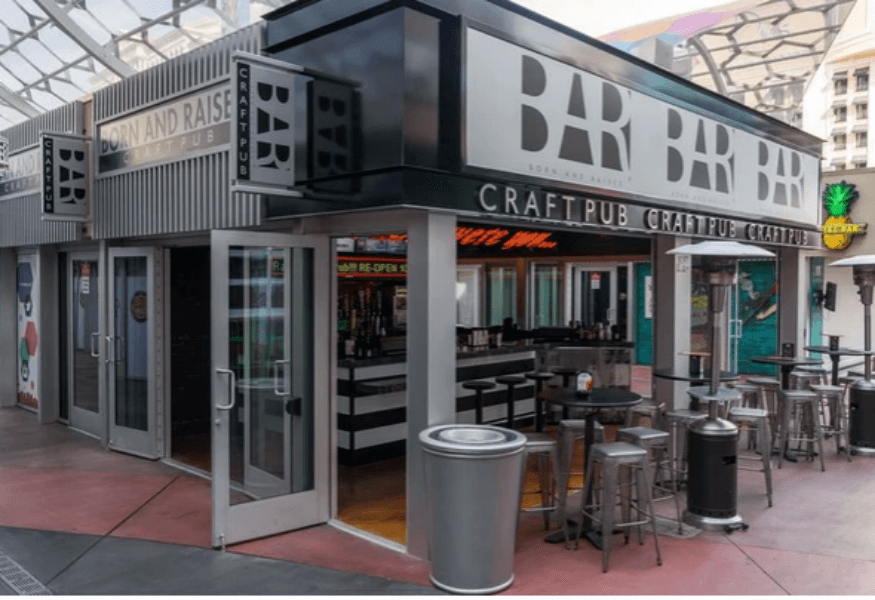 Born & Raised Craft Pub – The Strip