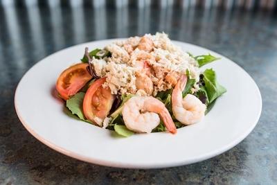 Shucks-tavern-flamingo-seafood-salad