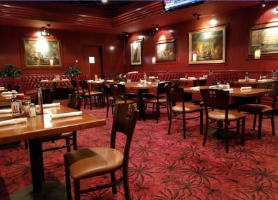 Village-Pub-eastern-wigwam-dining-room
