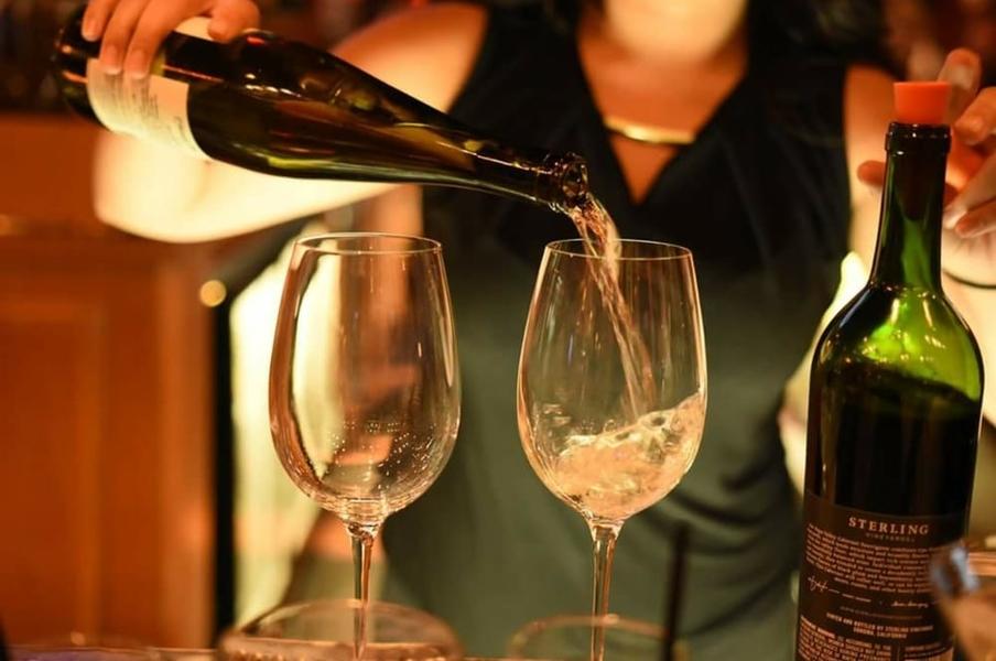 the-martini-charleston-wine