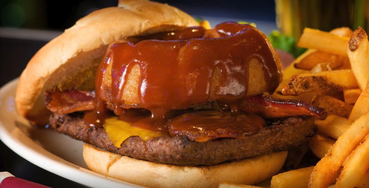 timbers-best-bar-food-western-bacon-cheeseburger